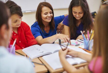 checking-homework-lesson_329181-10515